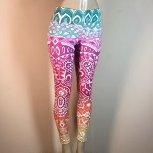 Peter Popovitch Pants & Jumpsuits - Peter Popovitch Printed Capri Leggings Pink Small